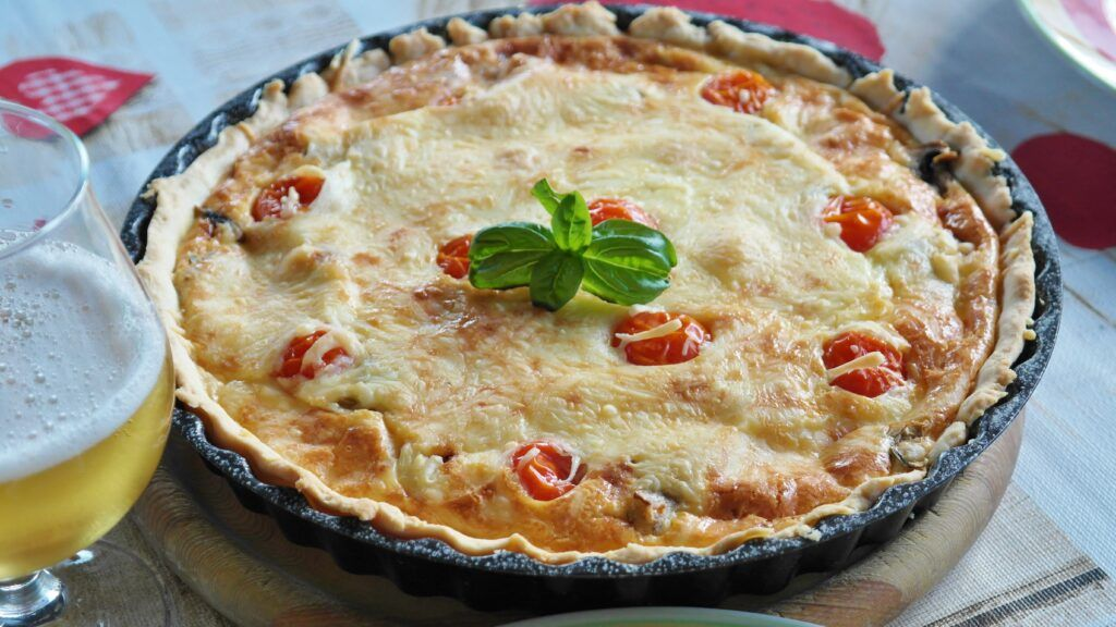 meat pie with cheese