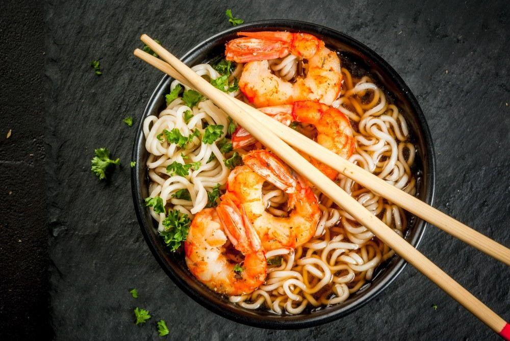 Shrimps with noodles