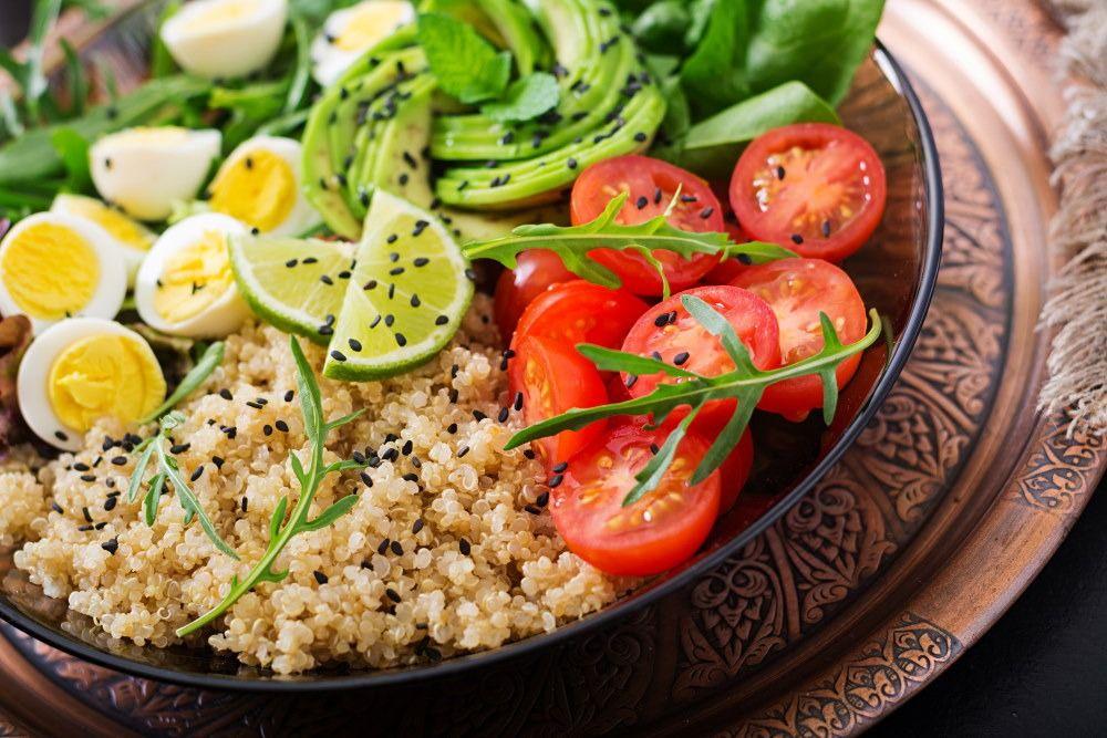 Avocado & eggs salad