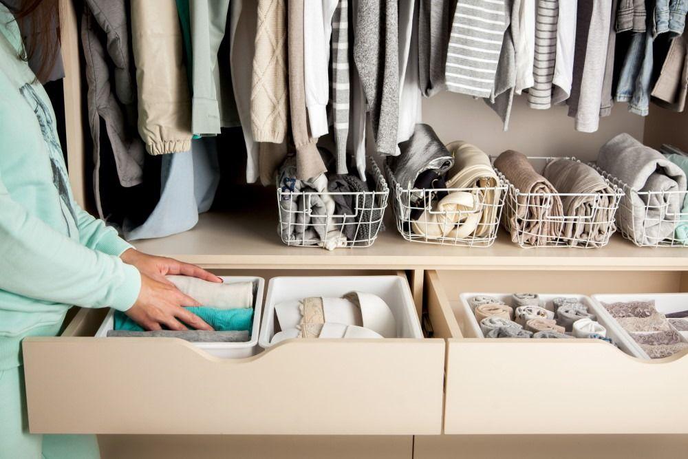Closet tidying