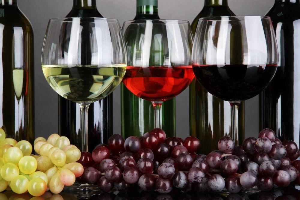 Κρασί: Ποια είναι τα είδη του και ποιοι οι ιδανικοί συνδυασμοί του